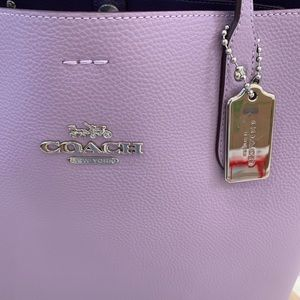 Coach Bags - Coach brand new large tote bag perfect fall color